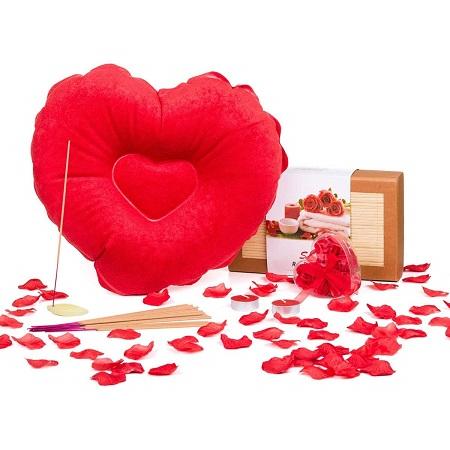 kit-petales-et-coussin-coeur